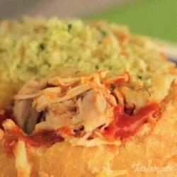 Recette de bol de pain délicieux au poulet et parmesan