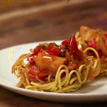 Recette de poulet Buffalo sur lit de spaghetti