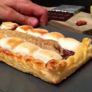 La tarte tressée au chocolat à la banane et marshmallows