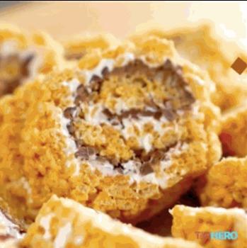 Délicieux rouleaux de riz soufflé au chocolat et marshmallow