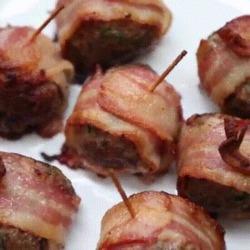 Recette toute simple de boulettes de viande enroulées dans du bacon