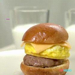 Recette ultra simple de burger pour le petit déjeuner